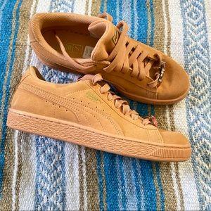 Puma Sneakers Size 7 Like New